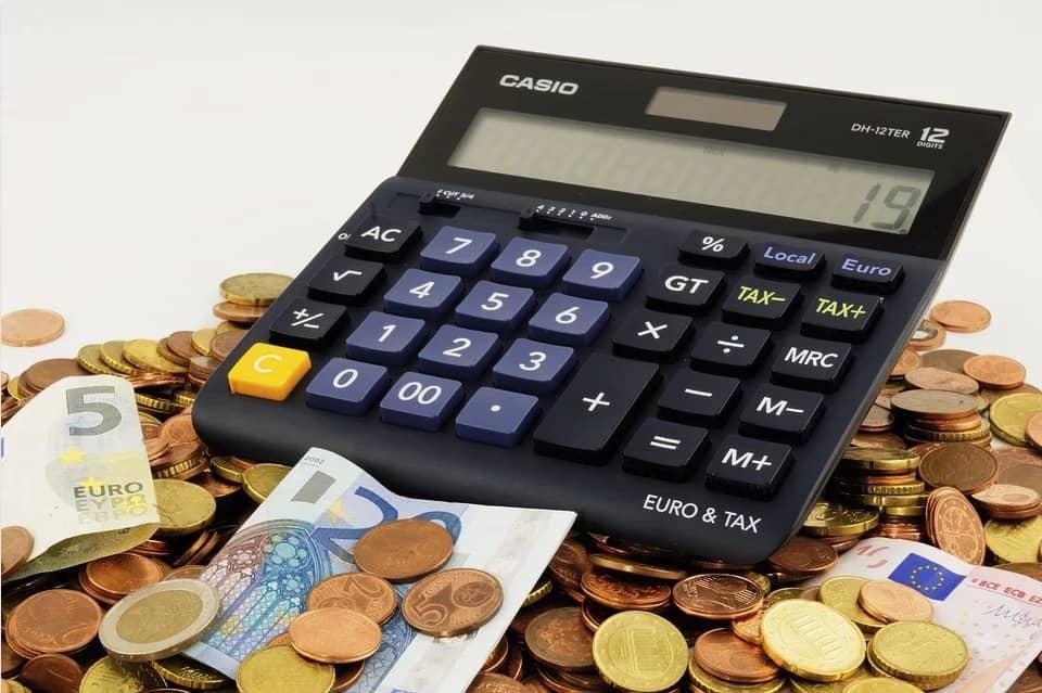 4 Practical Ways To Save Money